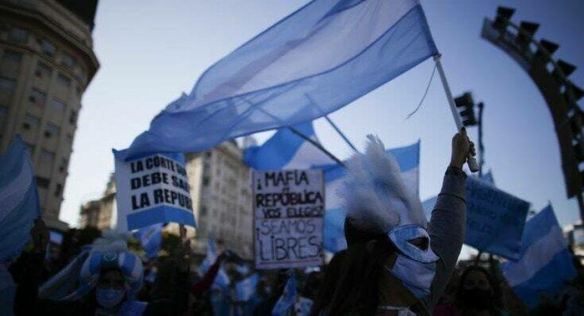 Virus Outbreak Argentina Protest