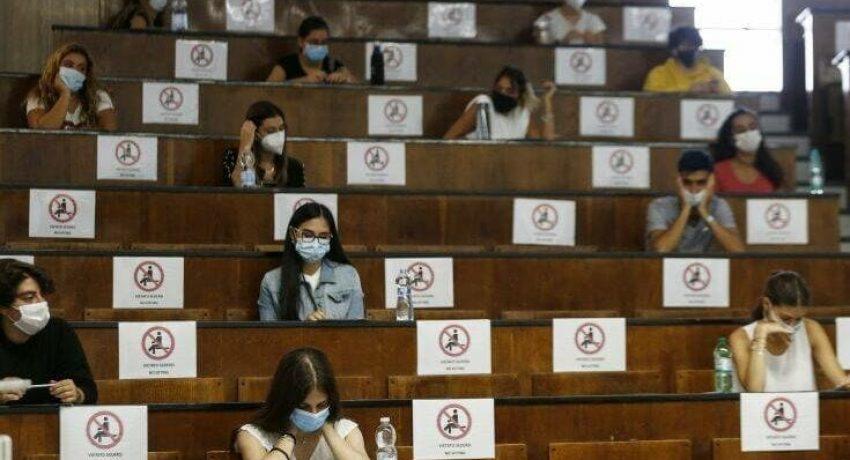 APTOPIX Virus Outbreak Italy Back to School
