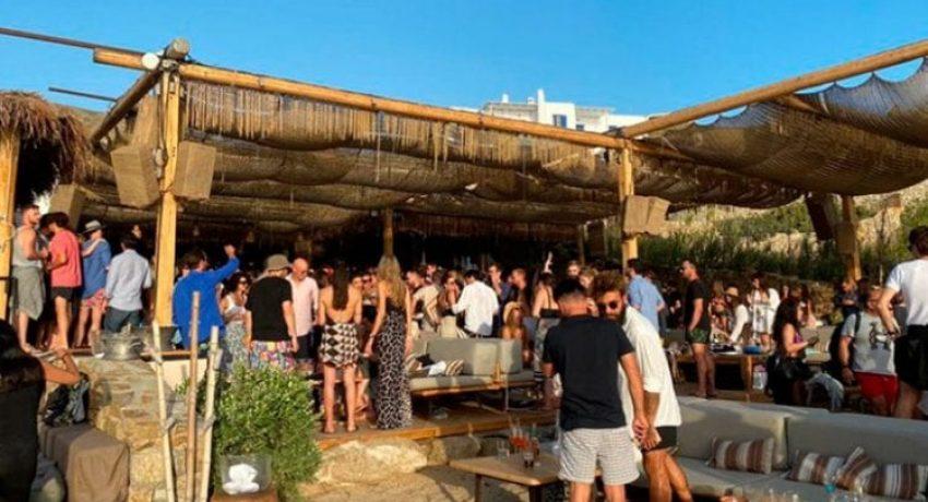 beach_bar_mykonos-750x430