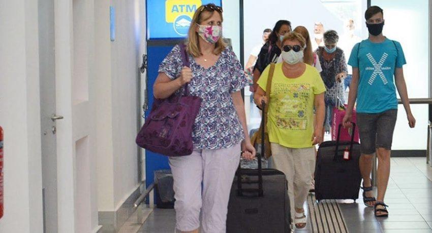 touristes_aerodromio-1