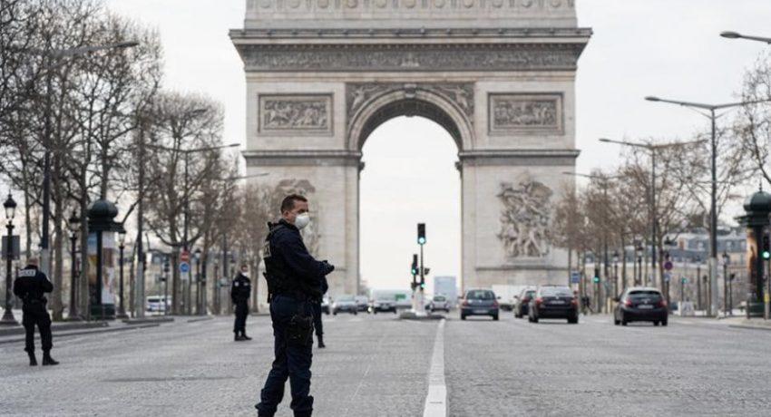 Parisi apsida thriambou