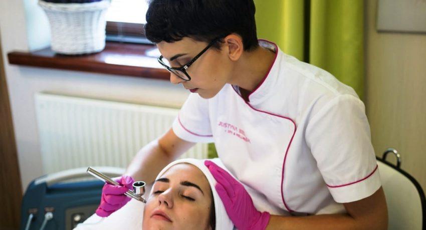 facial-treatment-5529815_1280
