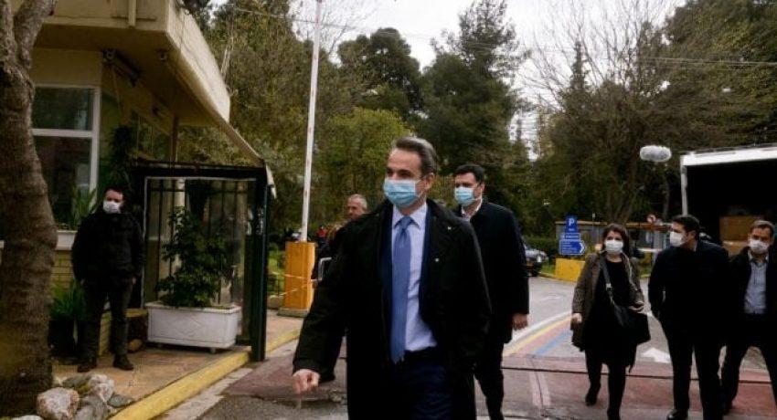 Παραλαβή υγειονομικού υλικού στο Νοσοκομείο Σωτηρία, παρουσία του παρουσία του Πρωθυπουργού Κυριάκου Μητσοτάκη, Αθήνα, 6 Απριλίου, 2020