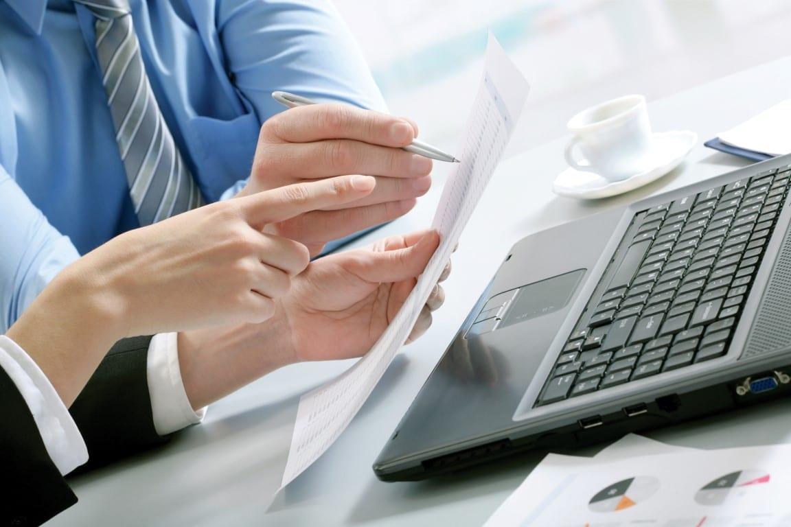 Business-Hands-PC-Medium