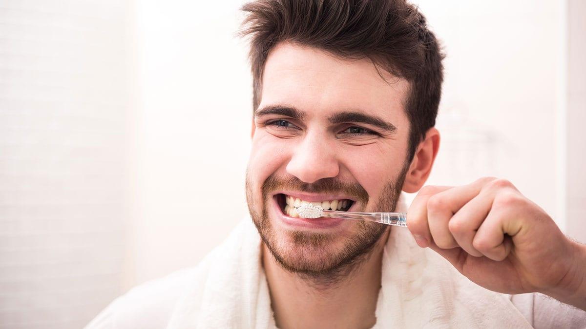 190225134632_brushing-teeth