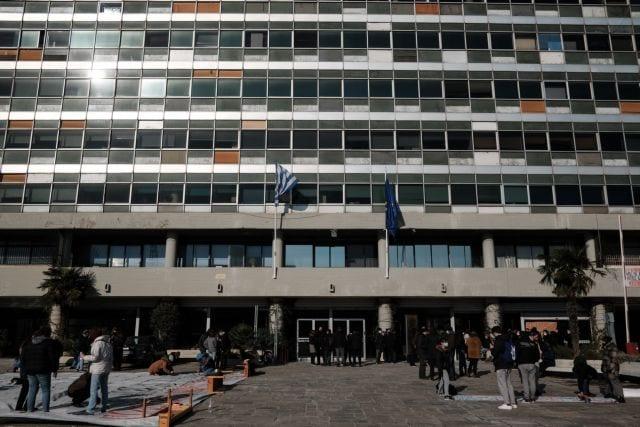 Κατάληψη φοιτητών στην πρυτανεία του ΑΠΘ, διαμαρτυρόμενοι για την αστυνομία πανεπιστημίων, στη Θεσσαλονίκη, στις 18 Ιανουαρίου, 2021