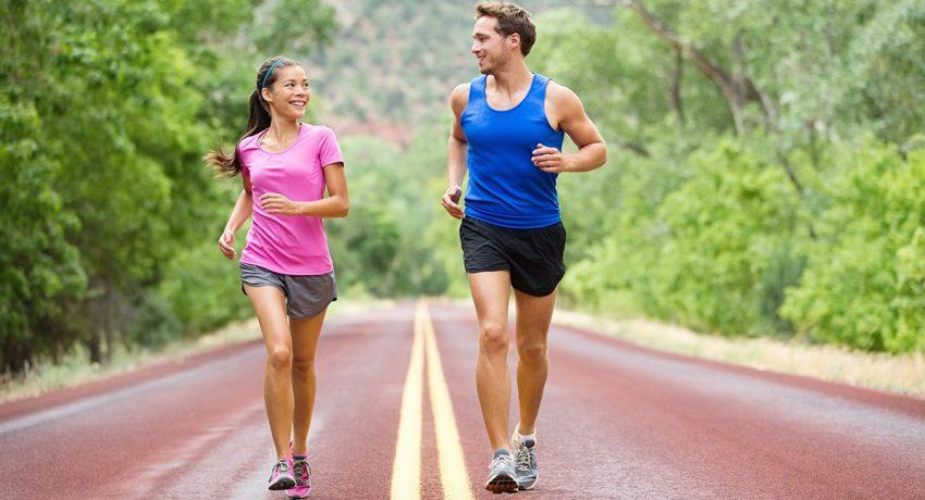 191205145520_couple_walking