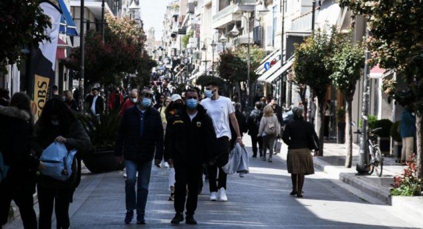 Επαναλειτουργία των εμπορικών καταστημάτων στην πόλη της Πάτρας, την Δευτέρα 12 Απριλίου 2021. (EUROKINISSI/ΑΝΔΡΕΑΣ ΑΛΕΞΟΠΟΥΛΟΣ)