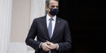 Greek Prime Minister Kyriakos Mitsotakis welcomes Prince Charles, Prince of Wales before their meeting at Maximos Mansion in Athens , Greece on March 25, 2021. Anniversary celebrations for the 200 years since the beginning of the Greek War of Independence of 1821 against the Ottoman Empire. / Ο πρωθυπουργός Κυριάκος Μητσοτάκης καλωσορίζει τον Πρίγκιπα Κάρολο, πρίγκιπα της Ουαλίας, στο Μέγαρο Μαξίμου, Αθήνα, 25 Μαρτίου 2021. Επετειακές Εκδηλώσεις για τα 200 χρόνια από την έναρξη της Ελληνικής Επανάστασης του 1821.