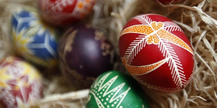Painted Easter eggs are displayed during an open workshop at the Ethnographic Institute and Museum in Sofia April 15, 2011.    REUTERS/Oleg Popov (BULGARIA - Tags: SOCIETY RELIGION)