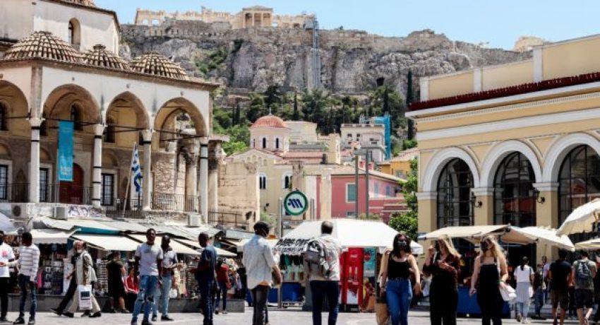 Τουριστική κίνηση - Στιγμιότυπα απο την Ακρόπολη και το Μοναστηράκι. Τρίτη 1 Ιουνίου 2021 (EUROKINISSI /  ΓΙΕΝΑΝΤΑ ΝΤΕΛΑΙ)