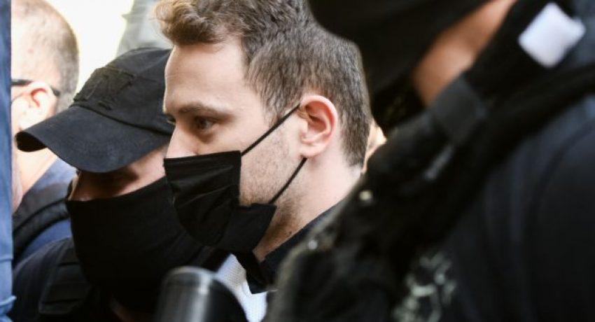Απολογία στον εισαγγελέα του 32χρονου Μπάμπη Αναγνωστόπουλου καθ' ομολογία δράστη της δολοφονίας της 20χρονης συζύγου του Καρολάιν Κράουτς την Παρασκευή, 18 Ιουνίου 2021. Σύμφωνα με την ΕΛΑΣ, την Πέμπτη, μετά από μαραθώνια κατάθεση, ο 32χρονος ομολόγησε ότι είναι ο δολοφόνος της. Η Καρολάιν δολοφονήθηκε στις 11 Μαΐου, δίπλα στο μωρό της, ενώ ήταν μέσα στο σπίτι της, στα Γλυκά Νερά. Παρασκευή 18  Ιουνίου 2021 (EUROKINISSI/ΤΑΤΙΑΝΑ ΜΠΟΛΑΡΗ) )