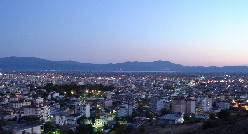 Agrinio,_Etolio-Acarnania_Prefecture,_Greece_-_city_by_evening