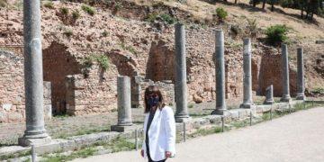 Επίσκεψη της ΠτΔ Κατερίνας Σακελλαροπούλου στον αρχαιολογικό χώρο και στο Μουσείο των Δελφών. Κυριακή 12 Ιουνίου 2021 (EUROKINISSI/ΠΡΟΕΔΡΙΑ ΤΗΣ ΔΗΜΟΚΡΑΤΙΑΣ/ΘΟΔΩΡΗΣ ΜΑΝΩΛΟΠΟΥΛΟΣ)