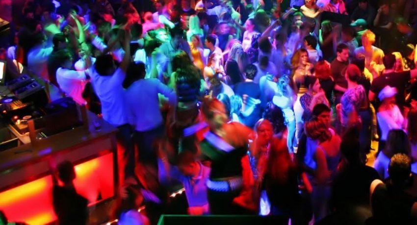 clubbing-paros-1024x538-1024x538