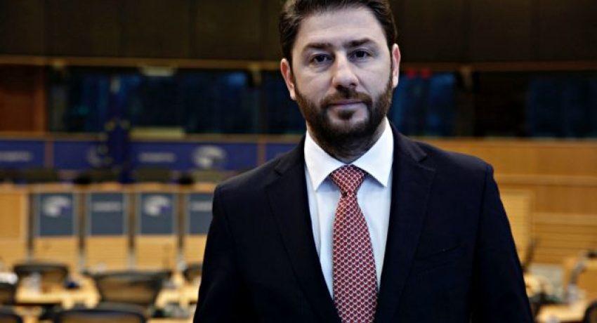 (Ξένη δημοσίευση) Ο Ευρωβουλευτής, Νίκος Ανδρουλάκης. σε συνέντευξή του στην εφημερίδα «ThessNews» δήλωσε ότι «το μνημόνιο της δραχμής» θα είναι όλεθρος σε μία οικονομία με τα χαρακτηριστικά της Ελληνικής», ενώ συμπληρώνει χαρακτηριστικά «Ας ακολουθήσουμε το θετικό παράδειγμα της Κύπρου, που ξέφυγε από το μνημόνιο εντός του ευρώ», Κυριακή 5 Φεβρουαρίου 2017. ΑΠΕ ΜΠΕ/ΑΠΕ ΜΠΕ/STR