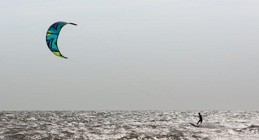 kite-surfer-1719499_960_720