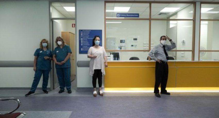 Greece's Prime Minister Kyriakos Mitsotakis visits the new Medical Center of Keratsini in Athens, Greece on July 7, 2021. / Επίσκεψη του πρωθυπουργού Κυριάκου Μητσοτάκη στο νέο Ιατρικό Κέντρο Κερατσινίου, 7 Ιουλίου 2021.