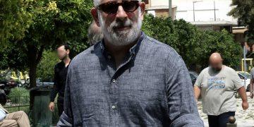 Ο ηθοποιός Πέτρος Φιλιππίδης παρίσταται στην κηδεία του στιχουργού Μάνου Ελευθερίου στο Α' Νεκροταφείο Αθηνών, Τρίτη 24 Ιουλίου 2018. ΑΠΕ-ΜΠΕ/ΑΠΕ-ΜΠΕ/ΣΥΜΕΛΑ ΠΑΝΤΖΑΡΤΖΗ