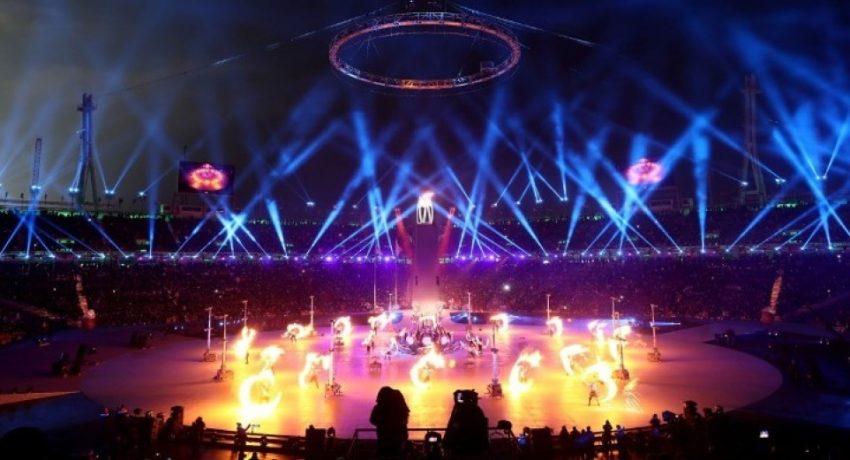 w23-12200Olympics2020OpeningCeremony