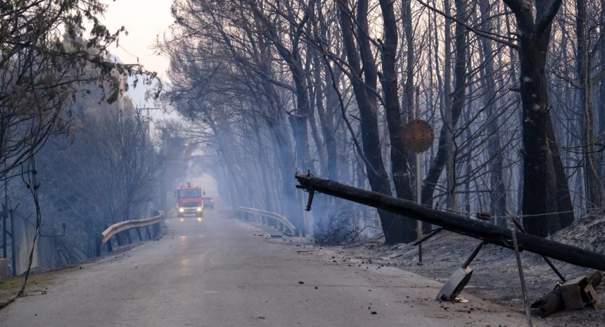 The aftermath of the wildfire in the suburb of Varimbombi, north of Athens,, Attica on August 4, 2021. / Η επόμενη μέρα της πυρκαγιάς στην περιοχή της Βαρυμπόμπης Αττικής, 4 Αυγούστου 2021.