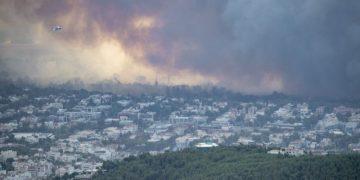 Wildfire in Varibobi, Attica on August 3, 2021. / Πυρκαγιά στην Βαρυμπόμπη Αττικής, 3 Αυγούστου 2021