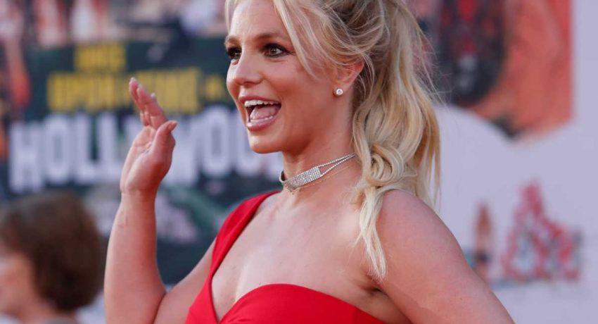 Britney_Spears_r_0907_1-1200x934