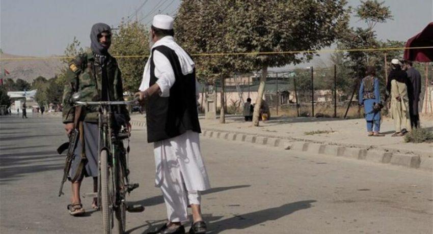 aerodromio-kampoul-afganistan-talimpan