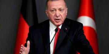 FILE PHOTO: Turkish President Tayyip Erdogan speaks during a news conference in Istanbul, Turkey, January 24, 2020. REUTERS/Umit Bektas/File Photo