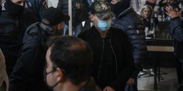 Στον Εισαγγελέα Πειραιά οδηγούνται οι αστυνομικοί που ενεπλάκησαν στο περιστατικό καταδίωξης στο Πέραμα με το θάνατο νεαρού Ρομά, Τετάρτη 21 Οκτωβρίου 2021. (ΣΩΤΗΡΗΣ ΔΗΜΗΤΡΟΠΟΥΛΟΣ/EUROKINISSI)